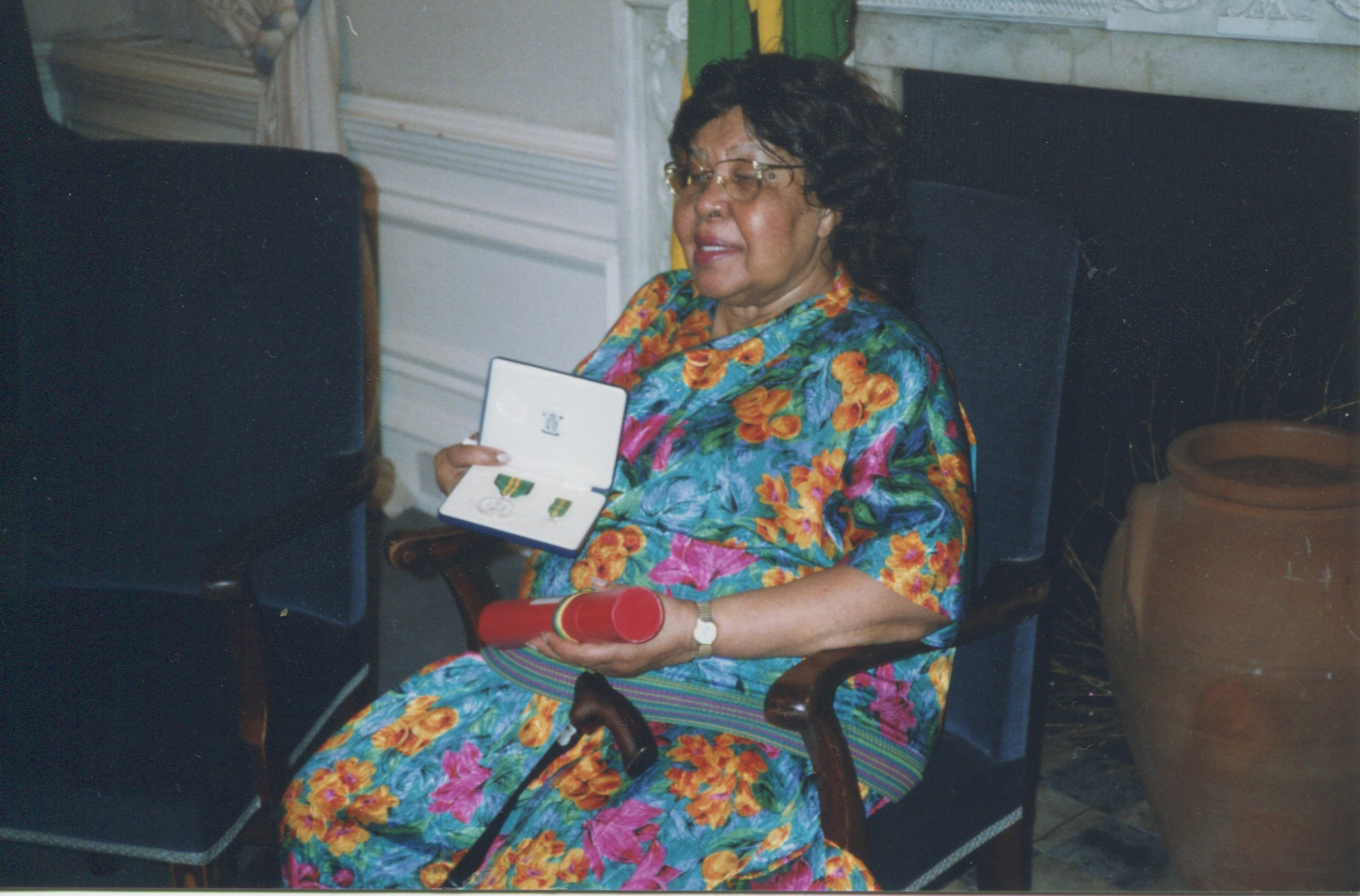 Mrs I Gordon OM, with her award